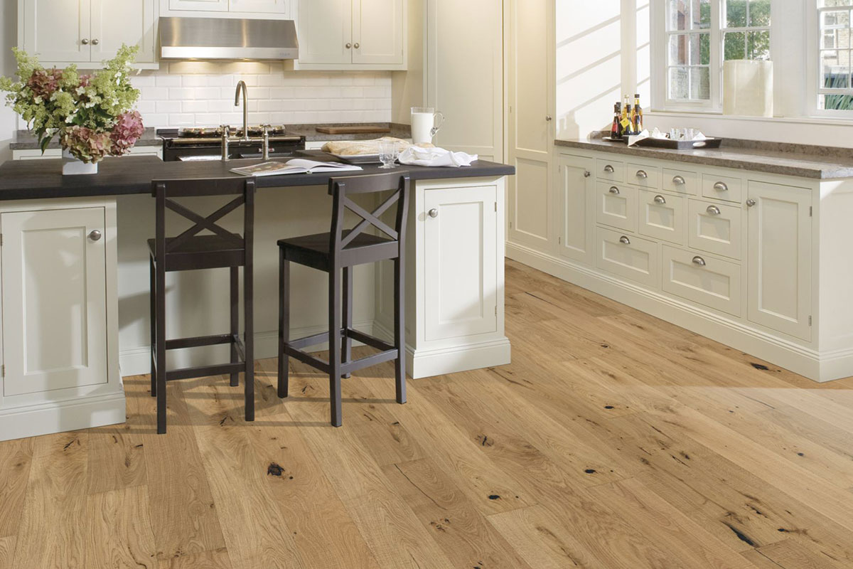 Engineered wood in oak
