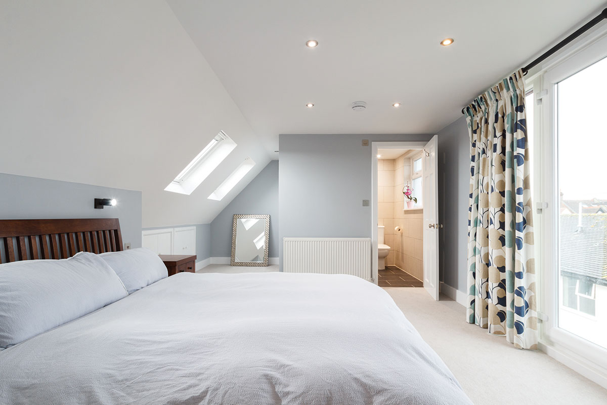 Ensuite bedroom in loft conversion