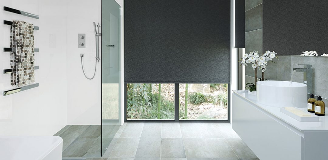 Bright wetroom with large blinds