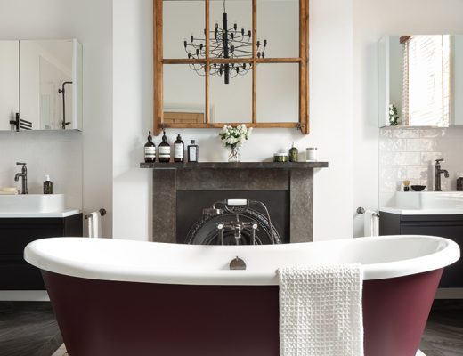 red bath ensuite