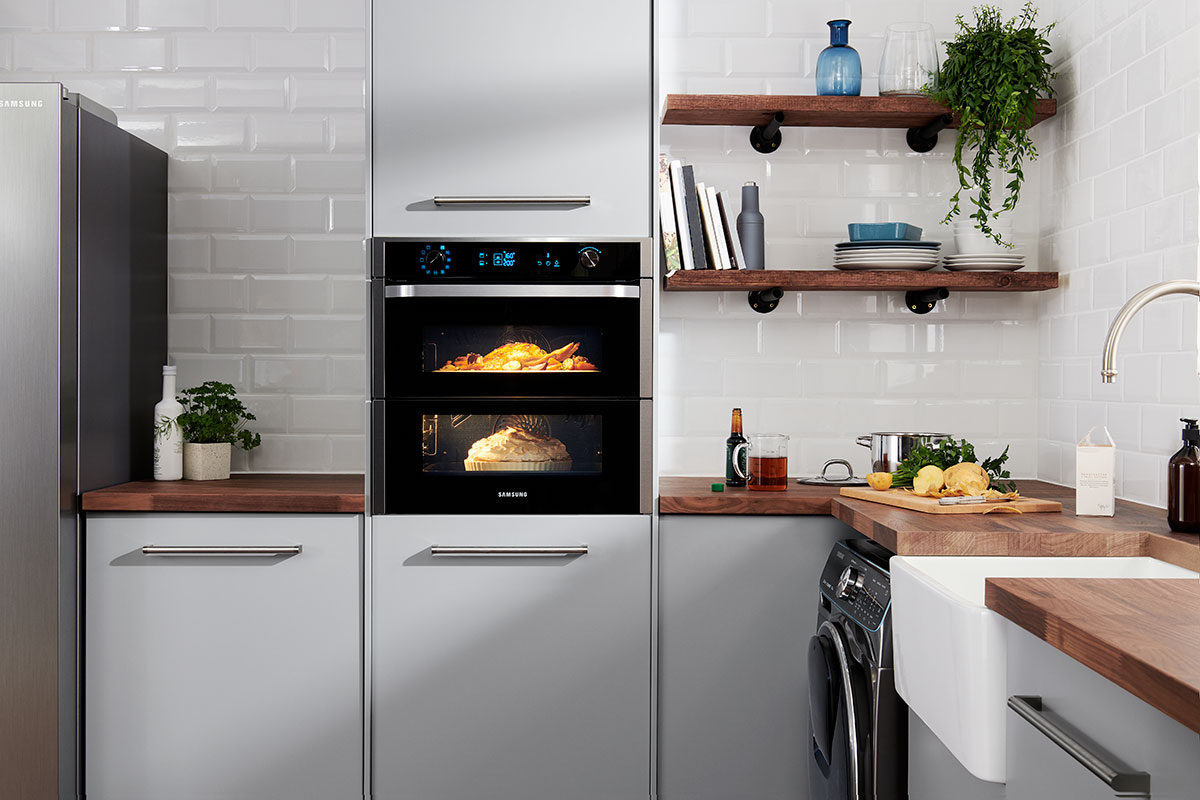 Samsung built-in oven with double cavity function
