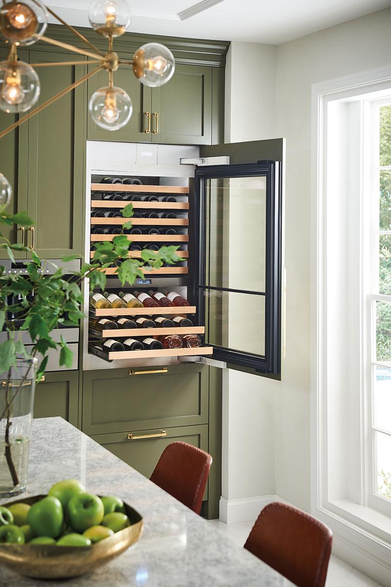 Built-in wine cabinet Sub Zero