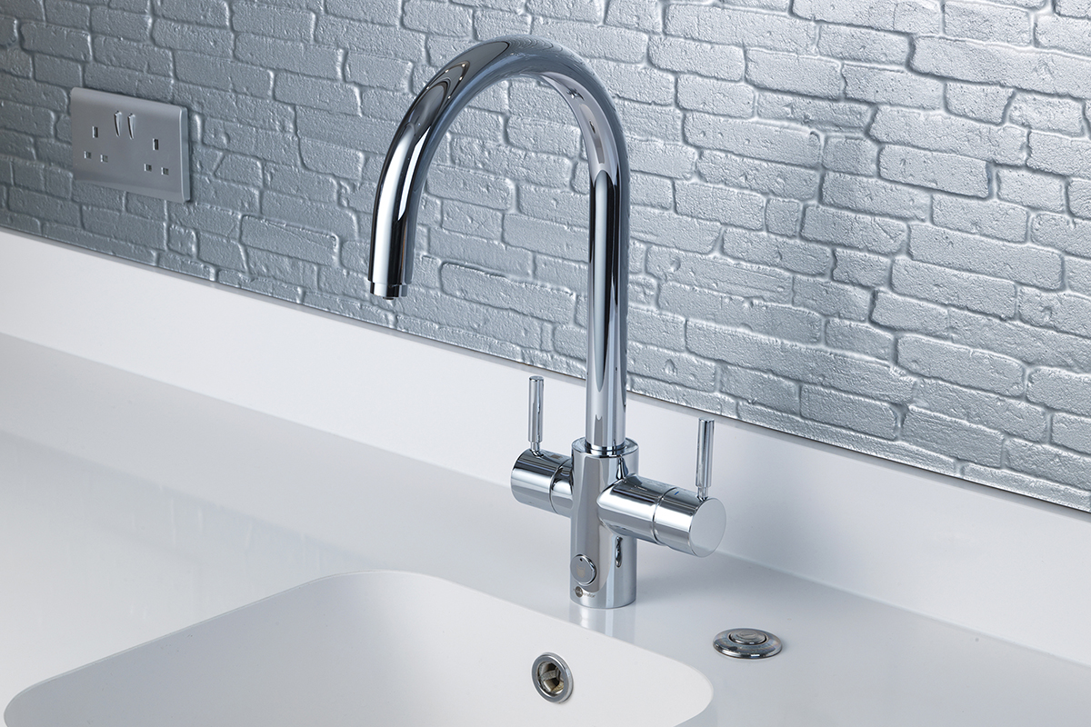 Hot-water tap with U spout
