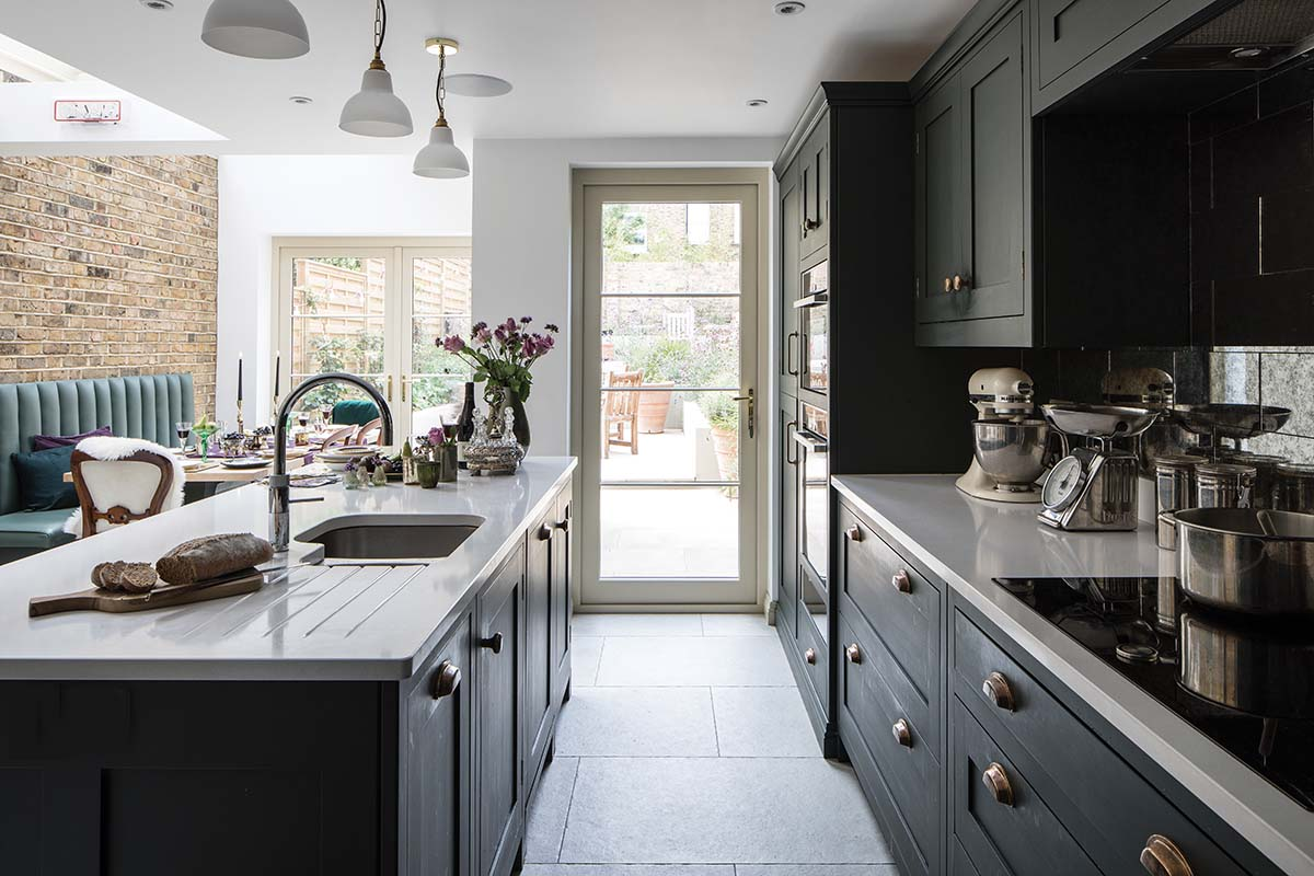 Traditional kitchen extension using side return