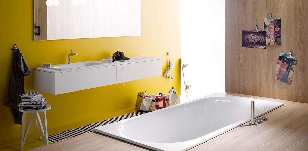 bette-yellow-bathroom