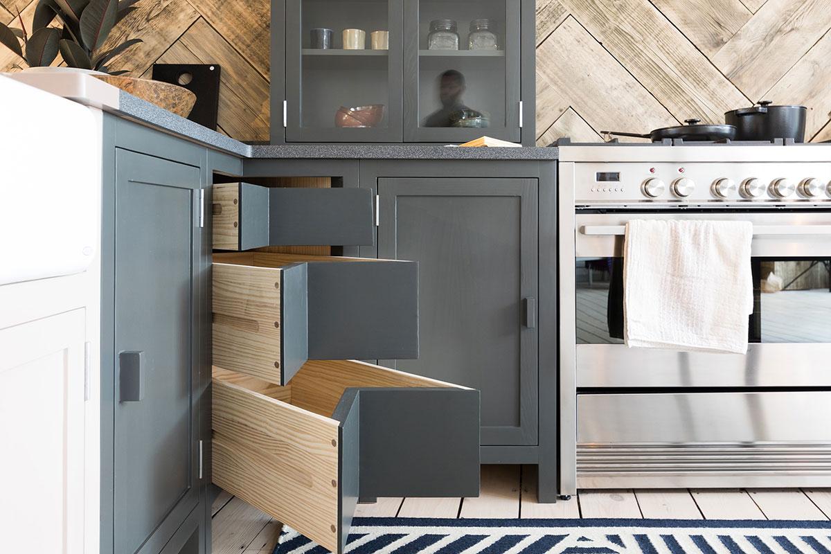 Kent-and-London-corner-drawers