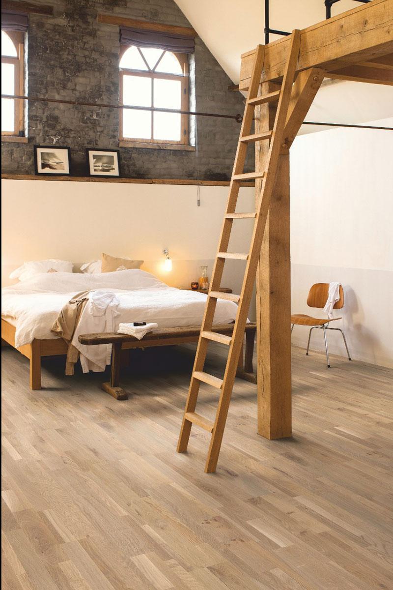 Renovate a bedroom split-level bedroom with wooden flooring
