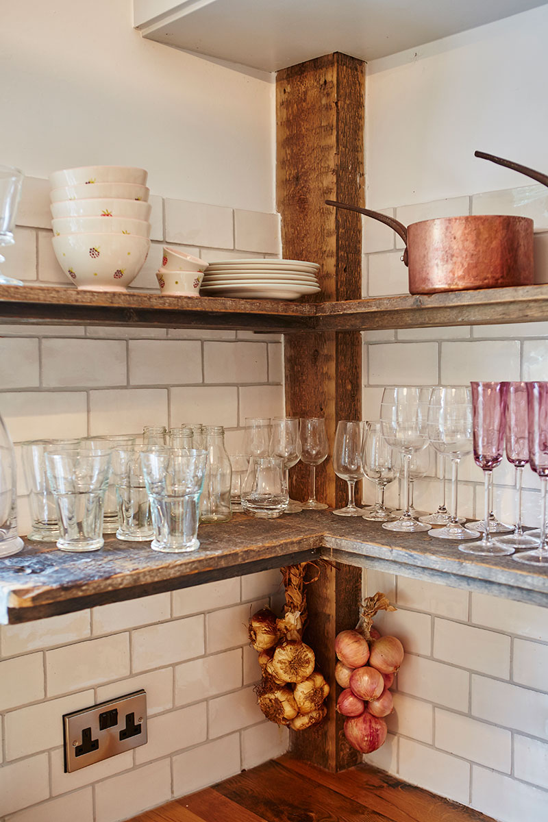 Main-Company-open-shelving-small-kitchen