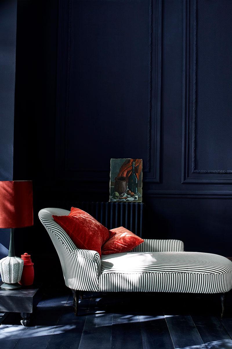 Annie Sloan blue chalk paint