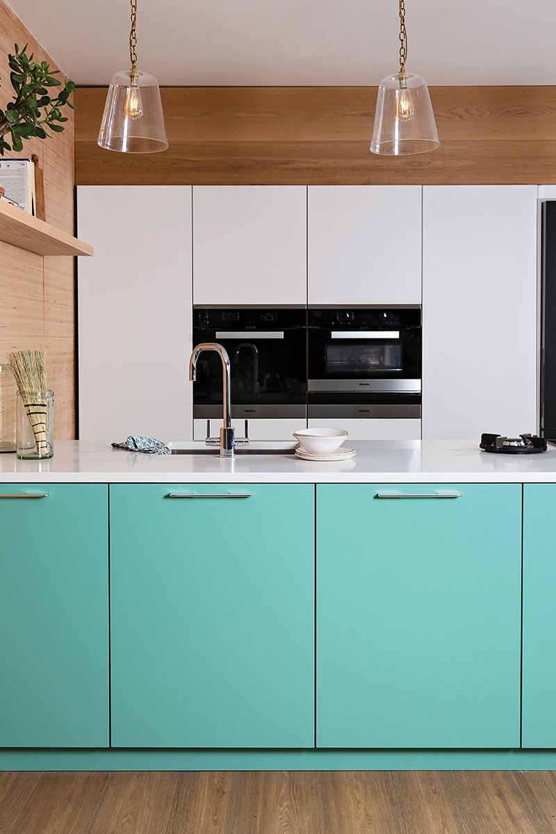 Naked-doors-affordable-kitchen