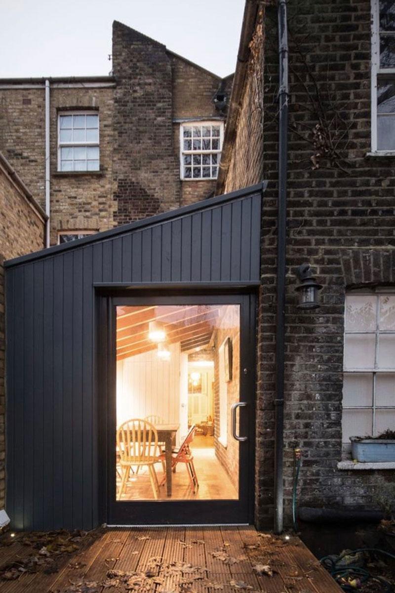 Renovation inspiraton - black cladding