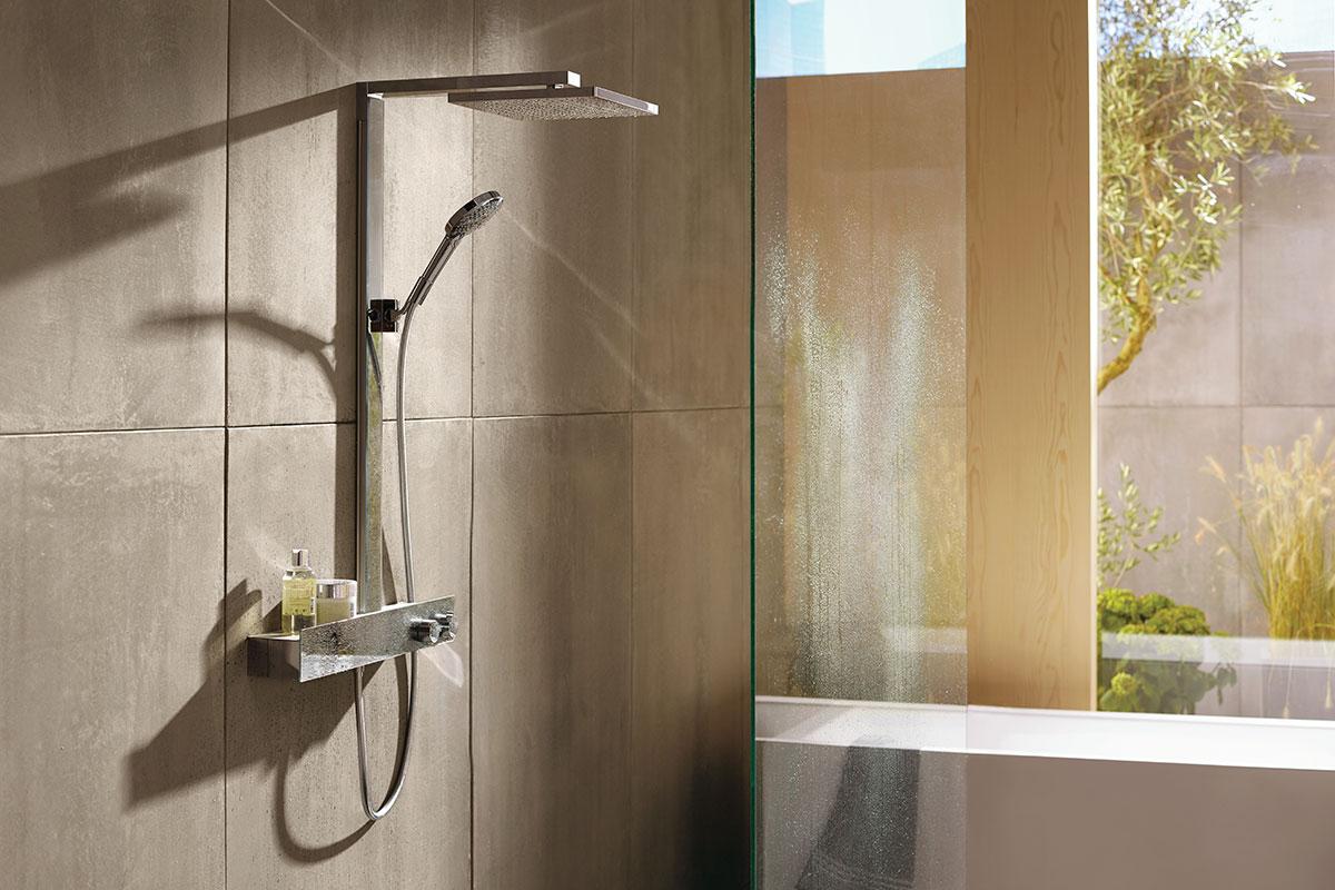 Hansgrohe-Raindance-E-Showerpipe-300-1jet-EcoSmart-9-lmin-with-ShowerTablet-600