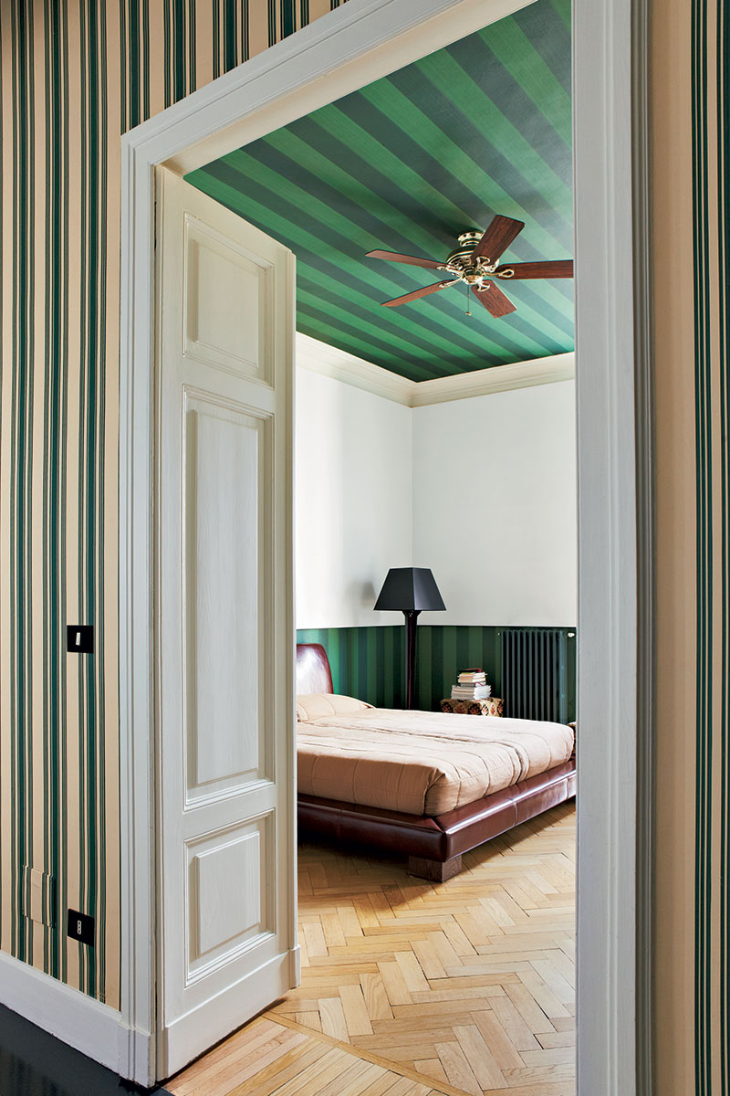 Striped ceiling and panelling