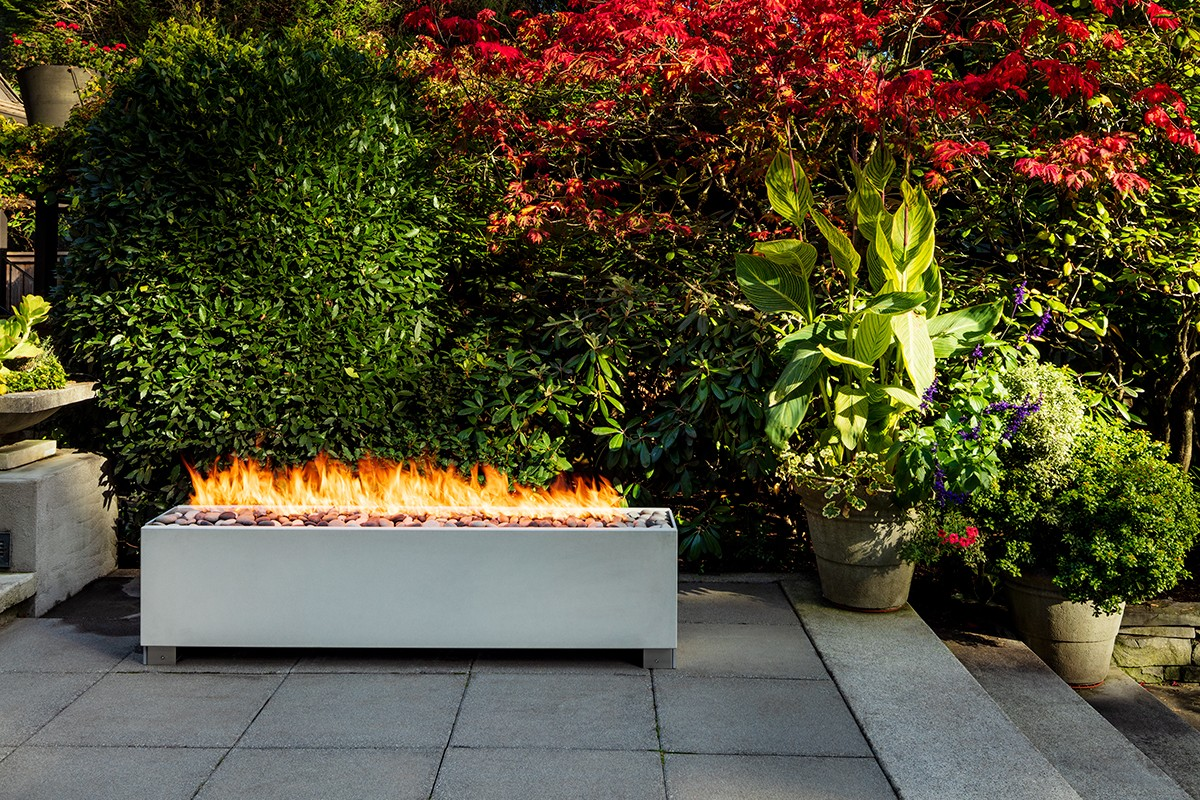 Gas fire pit outdoor heating
