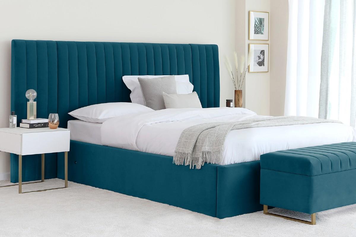Amalfi bed festive feature